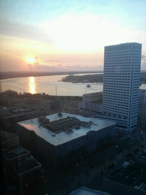 Day breaks over the Mighty Mississippi